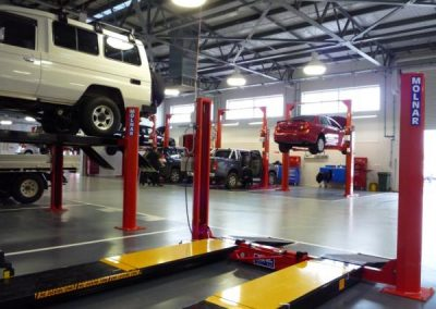 SetWidth600-4-Post-Hoist-4488-in-Foreground-Peter-Kittle-Toyota-Salisbury-Workshop-Photos-2